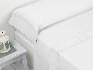 Juego de sábanas Isabel con aplique blanco